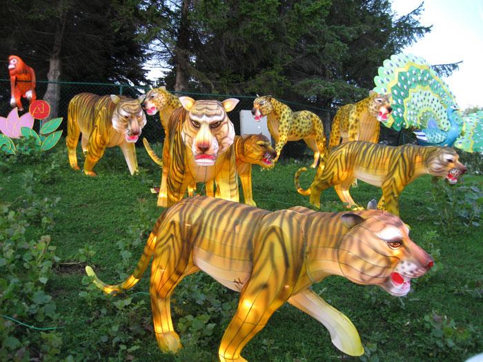 彩车彩船 制作现场 仿真动物 仿真恐龙 景观雕塑 城市亮化 光雕灯组